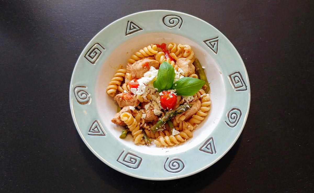 Chicken and Pasta with Asparagus, Cherry Tomatoes, and Basil
